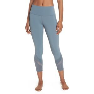 Alo Elevate High Waist Capri Legging